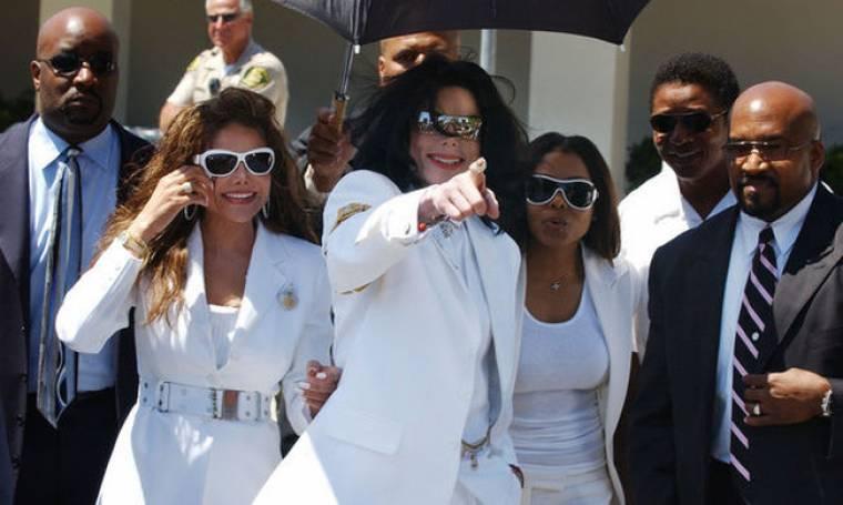 Η Janet Jackson λύνει τη σιωπή της