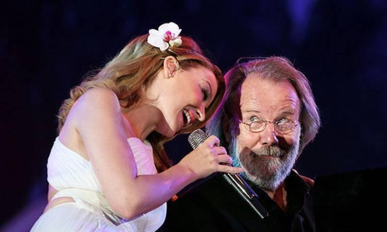 Η Kylie στη συναυλία – αφιέρωμα για τους ABBA