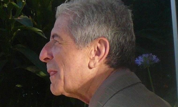 Λιποθύμησε στη σκηνή ο Leonard Cohen