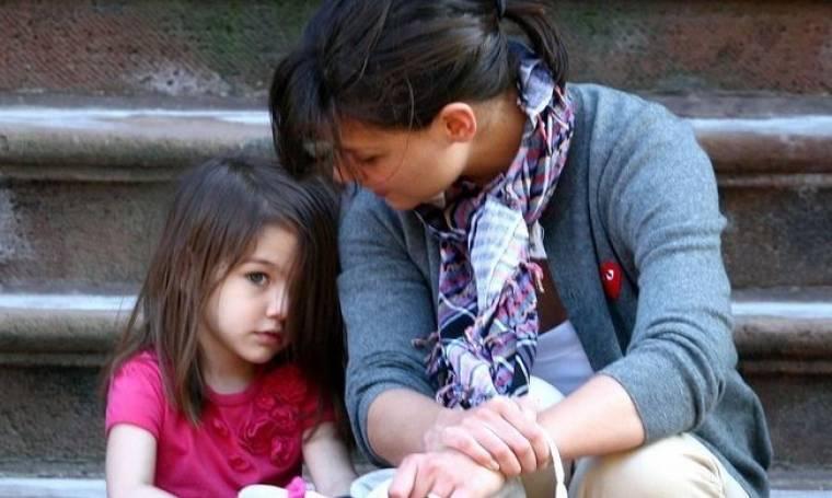 Katie Holmes: Έβαλε τακούνια στην τρίχρονη κόρη της!