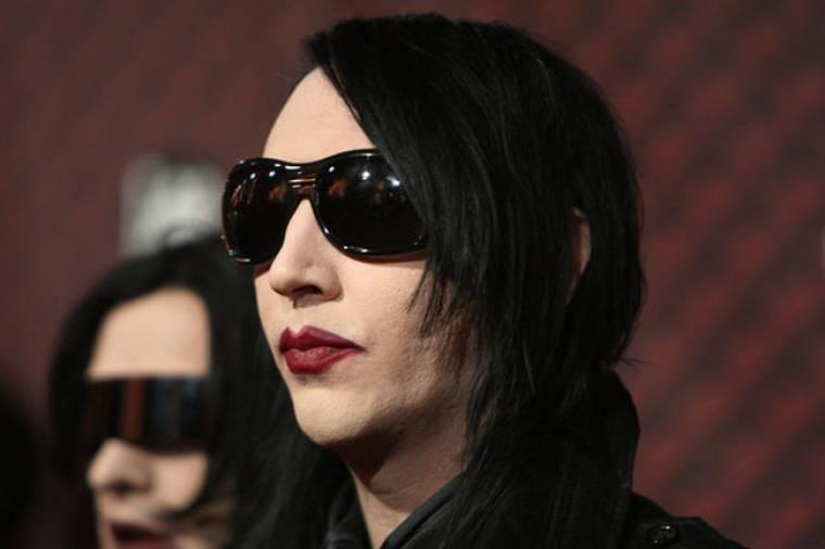 Η γρίπη των χοίρων χτήπησε τον Manson
