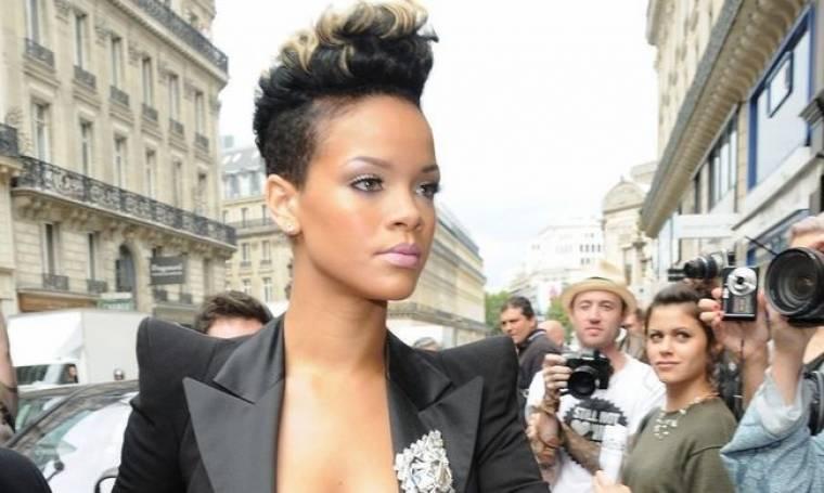 Νέο λουκ για τη Rihanna