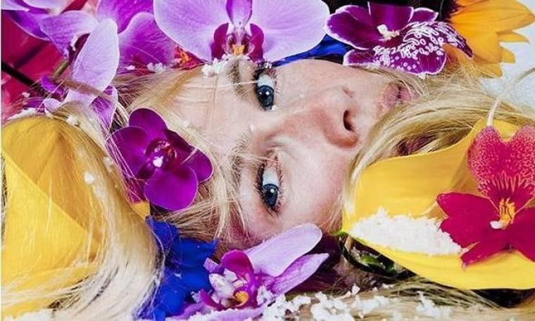 Μια διαφορετική φωτογράφηση της Claudia Schiffer