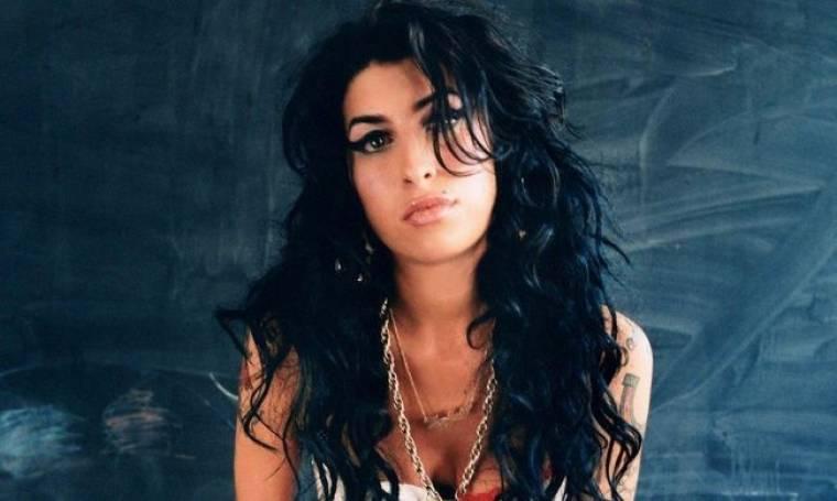 Μετά από ένα χρόνο το άλμπουμ της Winehouse