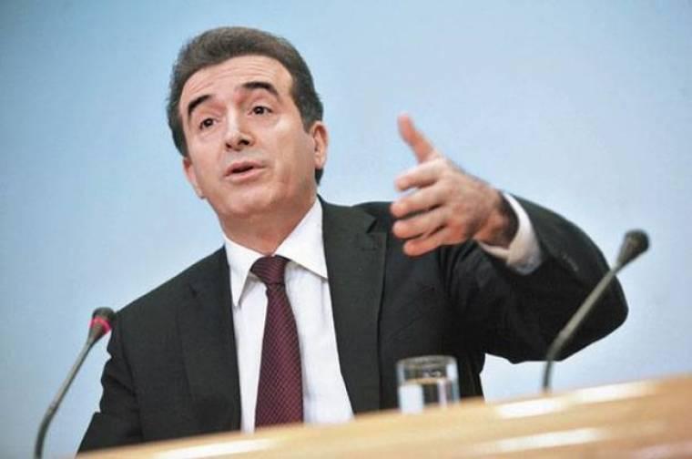 Την παραίτηση του αρχηγού της αστυνομίας ζήτησε ο Χρυσοχοϊδης