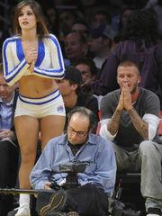 Fan του μπάσκετ η οικογένεια Beckham!