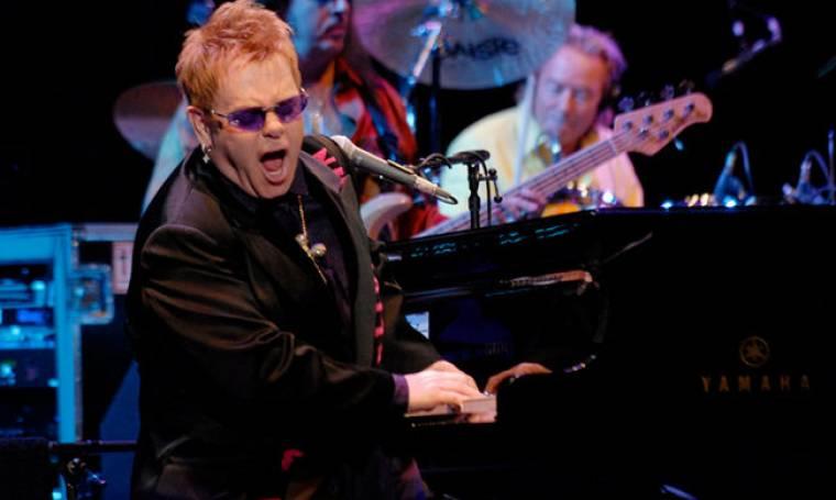 Επανέρχεται ο Elton John!