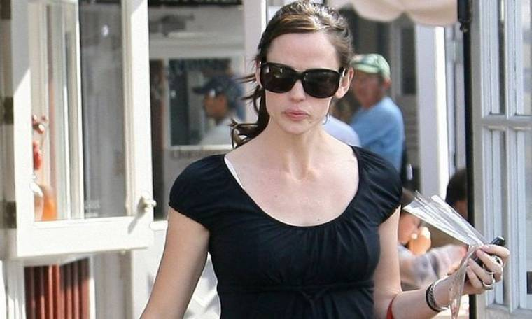 Βόλτα για ψώνια η Jennifer Garner