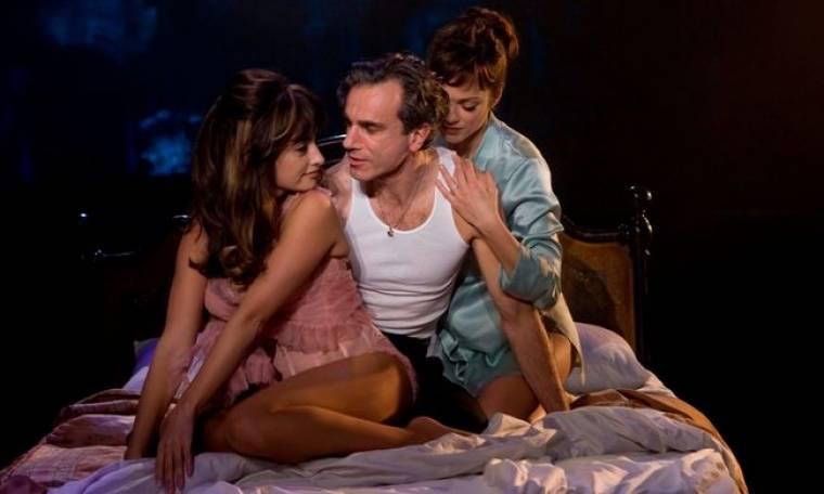 """Daniel Day-Lewis: Aνάμεσα σε θεές του Χόλυγουντ στο """"Nine"""""""