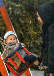 Θοδωρής Μαραντίνης: Πατέρας και γιος μαζί στην παιδική χαρά