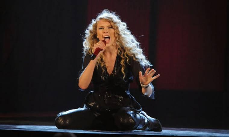 Όλοι θέλουν την Taylor Swift