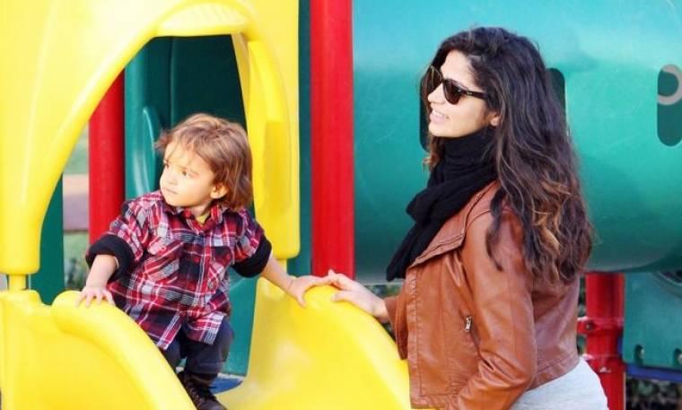 Camila Alves και Levi, βόλτα στις κούνιες