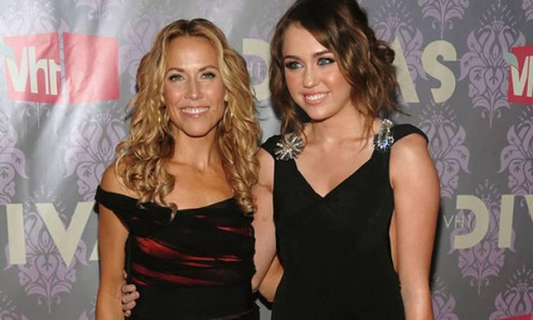Πάρτι έκπληξη για τη Miley Cyrus