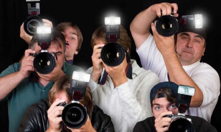 Εξαλλοι οι φωτορεπόρτερ για παρεμπόδιση της δουλειάς τους !