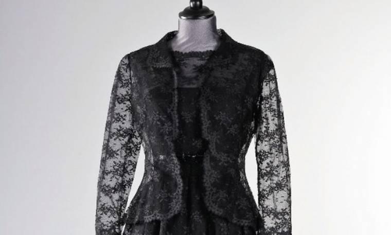 Hepburn: Το μαύρο της φόρεμα έκλεψε την παράσταση σε δημοπρασία