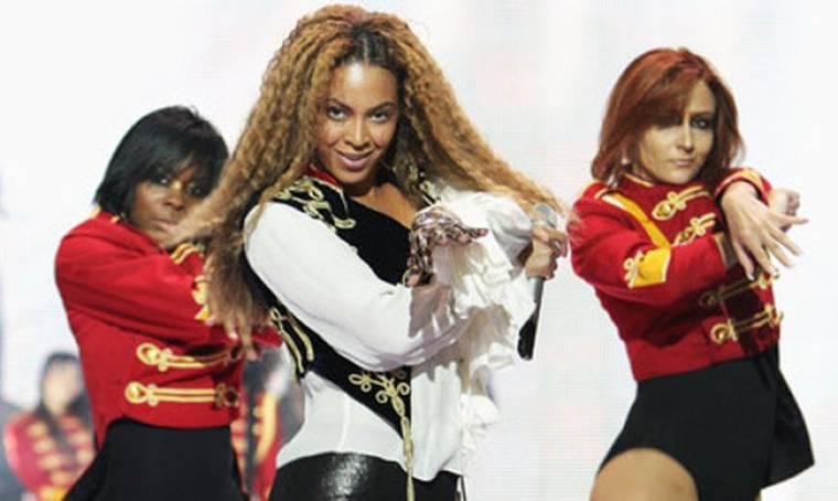 Μόνο γυναίκες στο πλευρό της  Beyonce τελικά