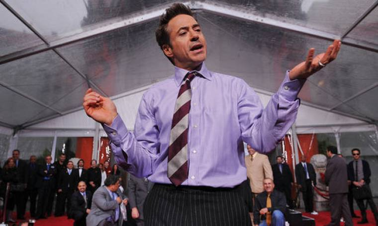 Μιλάει με φαντάσματα ο Robert Downey Jr