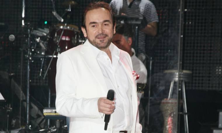 Σταμάτης Γονίδης: Τραγούδησε στις φυλακές ανηλίκων στον Αυλώνα