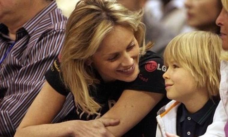 Sharon Stone: Σε αγώνα μπάσκετ με το γιο της