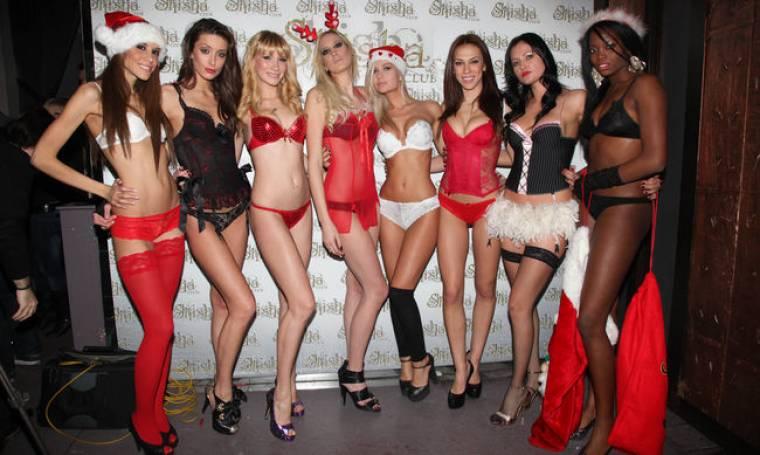 Ένα fashion show... γιορτινών εσωρούχων