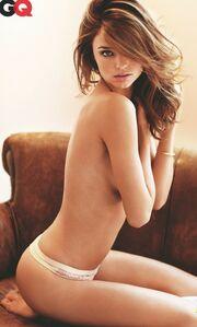 Miranda Kerr: γυμνή φωτογράφηση για το GQ