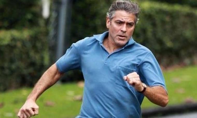 Γιατί τρέχει ο George Clooney