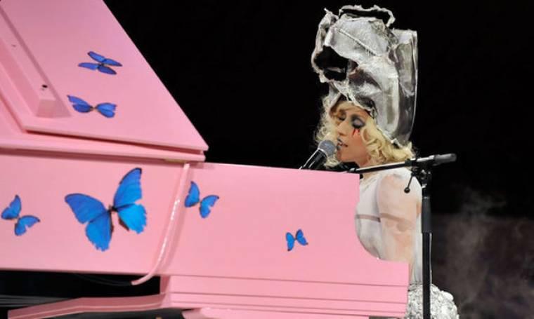 Υπεραμύνθηκε του νέου της βίντεο η GaGa