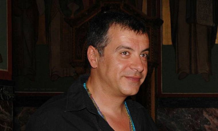 Εύφλεκτος μηχανισμός έξω από το εστιατόριο του δημοσιογράφου Σταύρου Θεοδωράκη