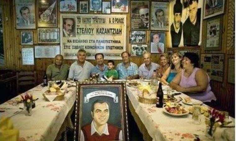Καφέ-μουσείο για τον Στέλιο Καζαντζίδη
