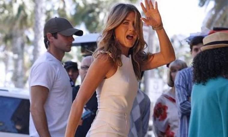 Το γυρίζει στη σκηνοθεσία η Aniston