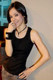 H Κατερίνα Τσάβαλου στο MTV