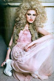 Δέσποινα Βλεπάκη: «Η ομορφιά έχει αξία όταν τη χρησιμοποιούμε σωστά»
