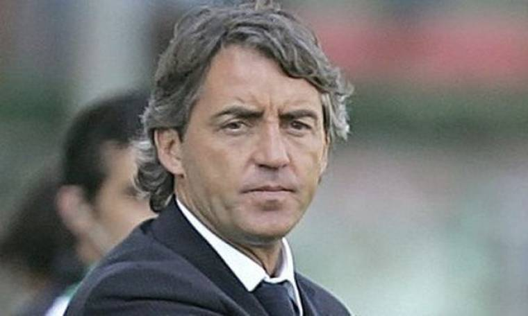 Την πόρτα της εξόδου έδειξε ο Roberto Mancini σε Tevez και Adebayor
