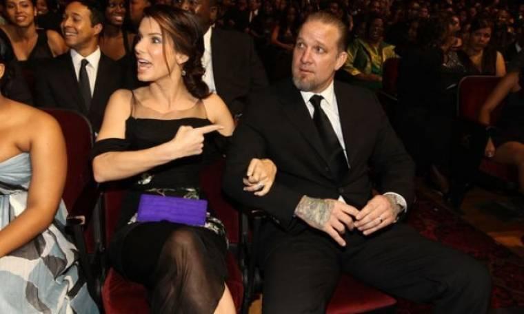 Sandra Bullock: Ο πατέρας Jesse είναι κάτι που ελπίζω να γνωρίσει ο μικρός Louis