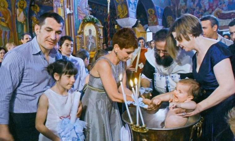 Πύρρος- Αναστασία Δήμα:  Η βάπτιση του τέταρτου παιδιού τους