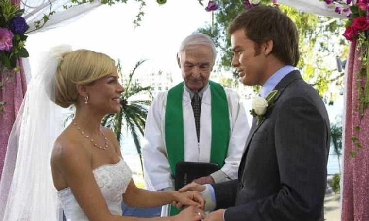 """Ενας γάμος κλείνει....τον κύκλο της σειράς """"Dexter"""""""