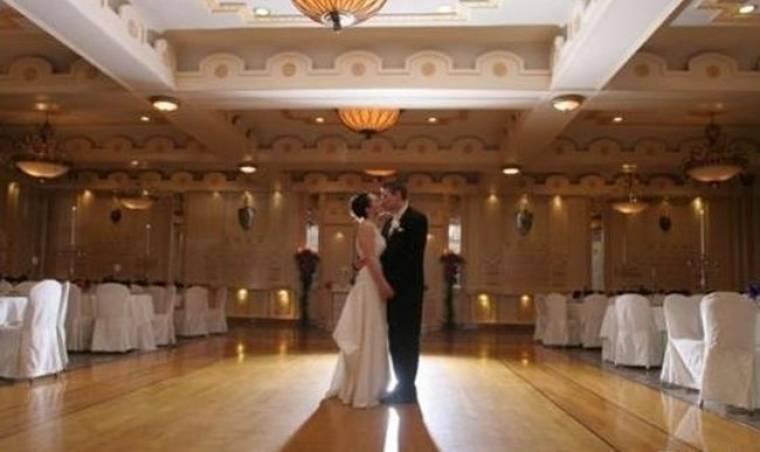 Ποια γνωστή τραγουδίστρια θα κάνει τη γαμήλια δεξίωσή της εδώ;