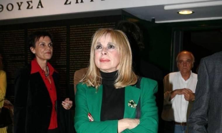 """Η Άννα Φόνσου """"αλλάζει"""" φύλο"""