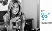 Οι κοιλιακοί της Jennifer Aniston