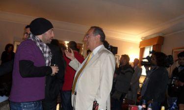 Ο Γιώργος Αλκαίος και οι Friends στην κατοικία του Έλληνα Πρέσβη