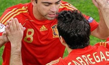 "Xavi: ""Είναι ξεκάθαρο πως ο Fabregas θα γυρίσει στη Barcelona"""