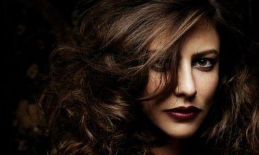 Anna Mouglalis: Η σκοτεινή πλευρά της Coco Chanel