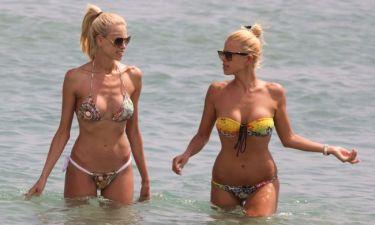 Στέλλα και η Χριστίνα Δημητρίου… on the beach!
