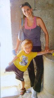 Με το γιο της στη Ρόδο η Παπαθωμά