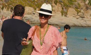 Γιατί φοράει καπέλο η Εβελίνα Παπαντωνίου;