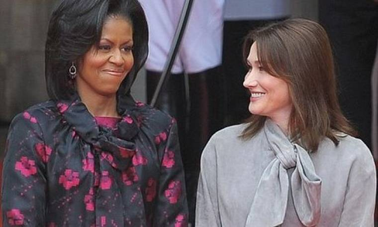 Η Bruni βγάζει στη φόρα τα… άπλυτα της Michelle Obama