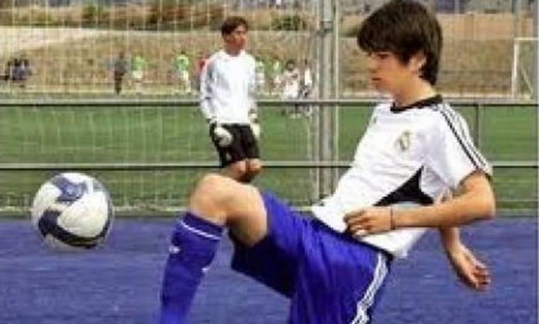 Video: Μάγος της μπάλας και ο γιος του Zidane