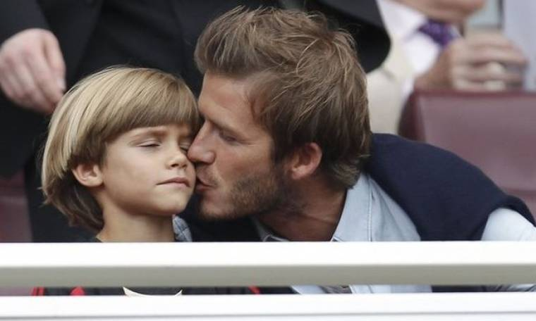 Ο γιος του David Beckham λανσάρει τη δική του σειρά γυαλιών ηλίου