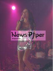 Ποια Ελληνίδα τραγουδίστρια φόρεσε δυο γόβες διαφορετικού χρώματος στην πίστα;