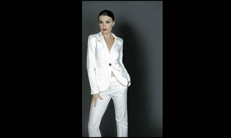 Η Νίνα Λοτσάρη σε ρόλο «Μάτα Χάρι»
